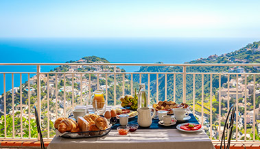Breakfast with Ravello View